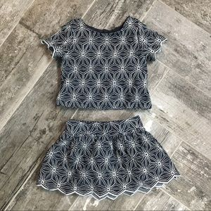 Genuine Kids embroidered outfit, size 18 months
